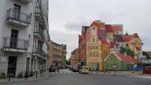 Mural to atrakcja Poznania, którą możesz zwiedzić z Eko Taxi!