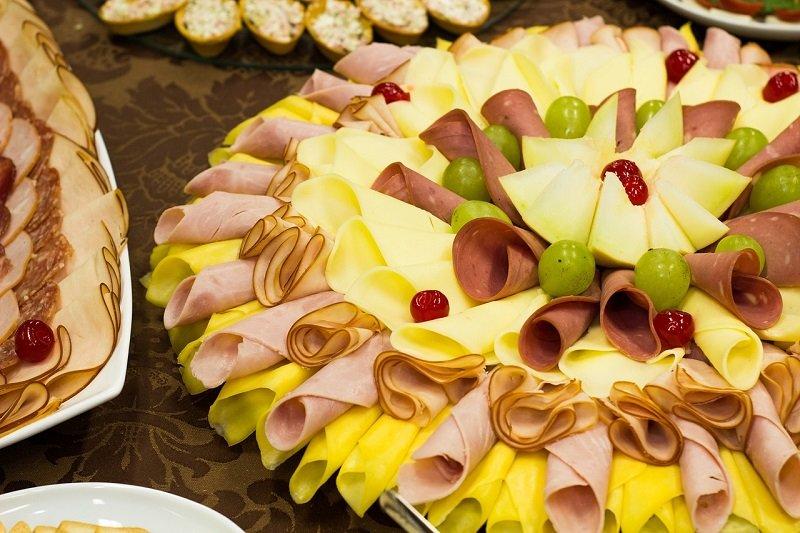 Bufet na imprezie noworocznej