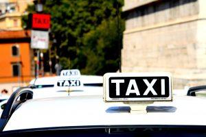 Jaką polską sieć taxi w Poznaniu wybrać? Poznaj zalety Eko Taxi