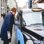 Poznaj najważniejsze zasady savoir-vivre obowiązujące w taksówce!